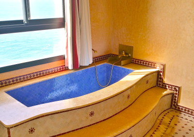 bouad_penthouse_bath_looking_nice