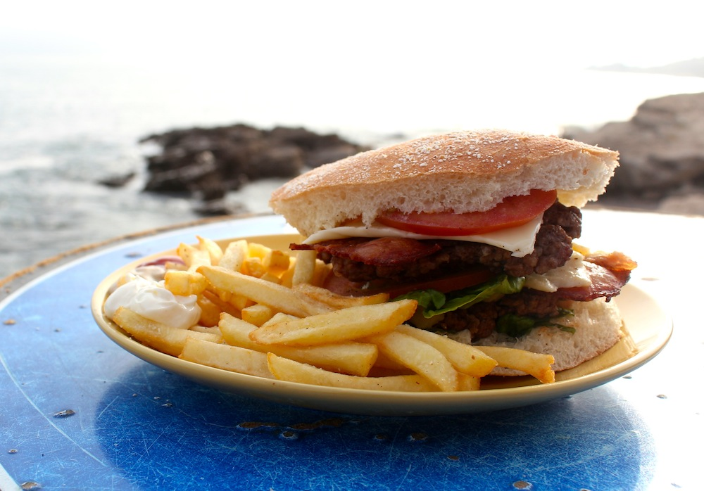 surf_berbere_cafe_beef_burger_taghazout_restaurant