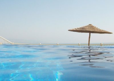 killer point infinity pool taghazout rental