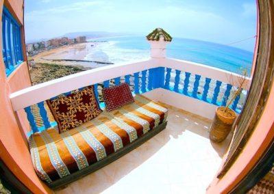 salon_terrace_surf_berbere_surf_camp-min
