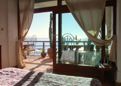bedroom sea view panoramas tagahzout apartment-min